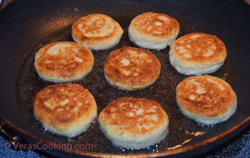 Farmer's Cheese Patties (Syrniki) (5 of 6)
