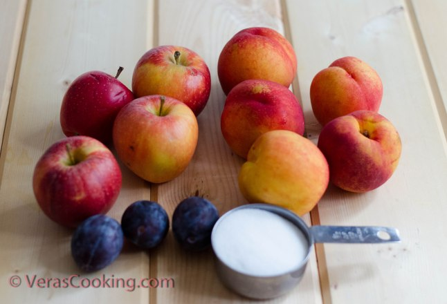 Homemade Apple and Peach Juice (1 of 7)