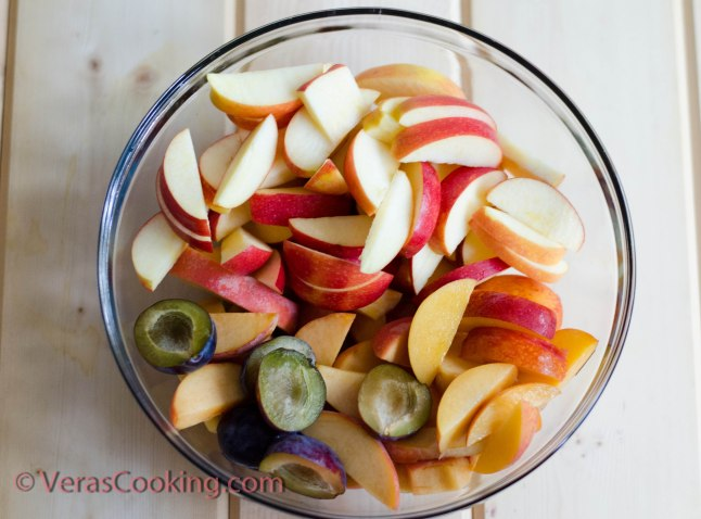 Homemade Apple and Peach Juice (2 of 7)