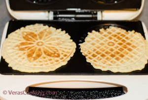 Pizzelles Rolls (11 of 15)