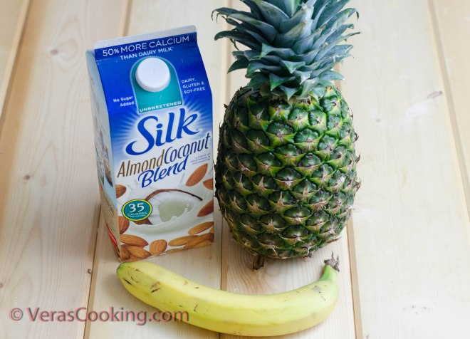 Pineapple and Banana Smoothie (1 of 10)